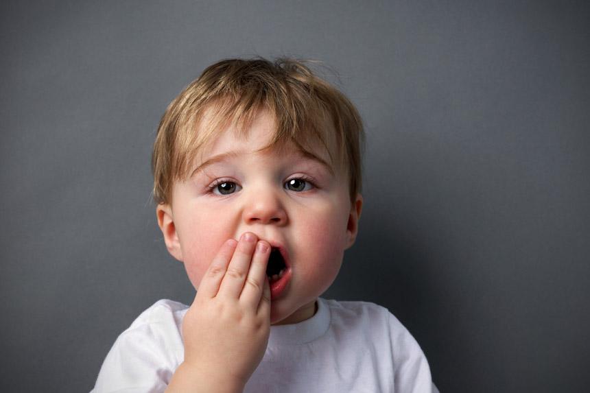 اقداماتی که هنگام ضربه خوردن یا شکستگی دندان کودکان باید انجام شود
