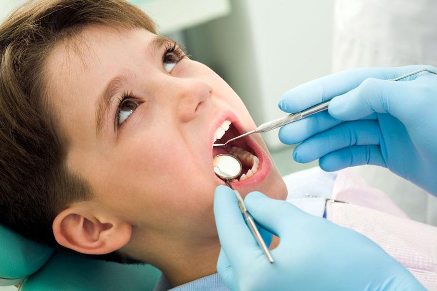 متخصص دندانپزشکی کودکان (اطفال) و نوجوانان