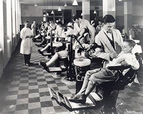 تصویر کلینیک دندانپزشکی کودکان، سال 1920 میلادی