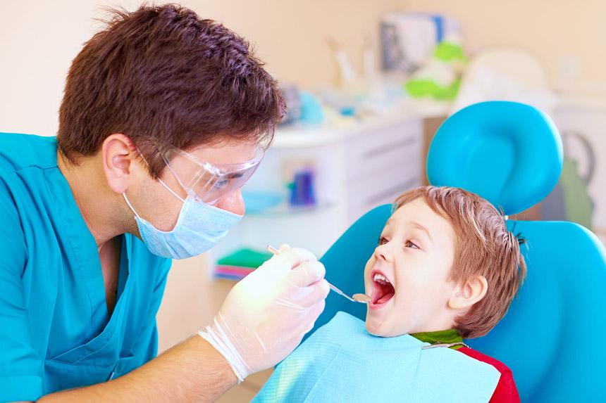 اهمیت مراجعه به دندانپزشک کودکان